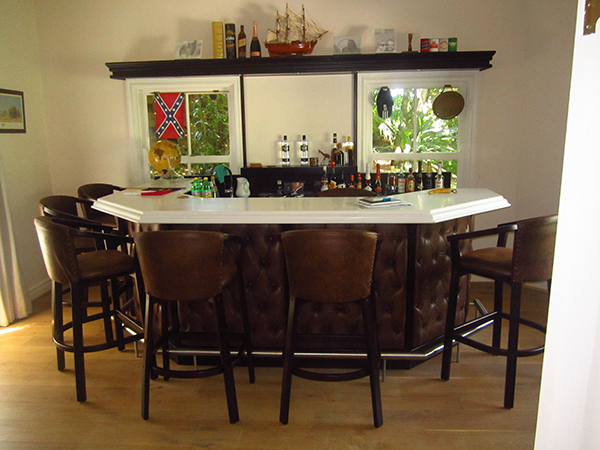 Contemporary bar